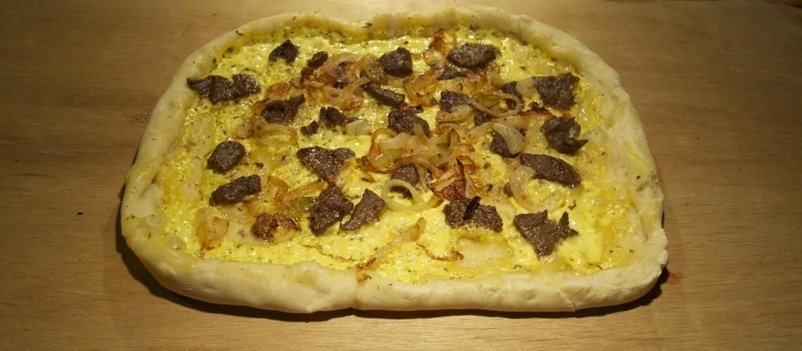 Pizza med bernaisesauce og oksefilet